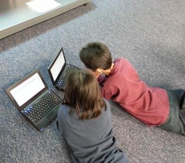 Enseña a tus hijos/as a usar internet
